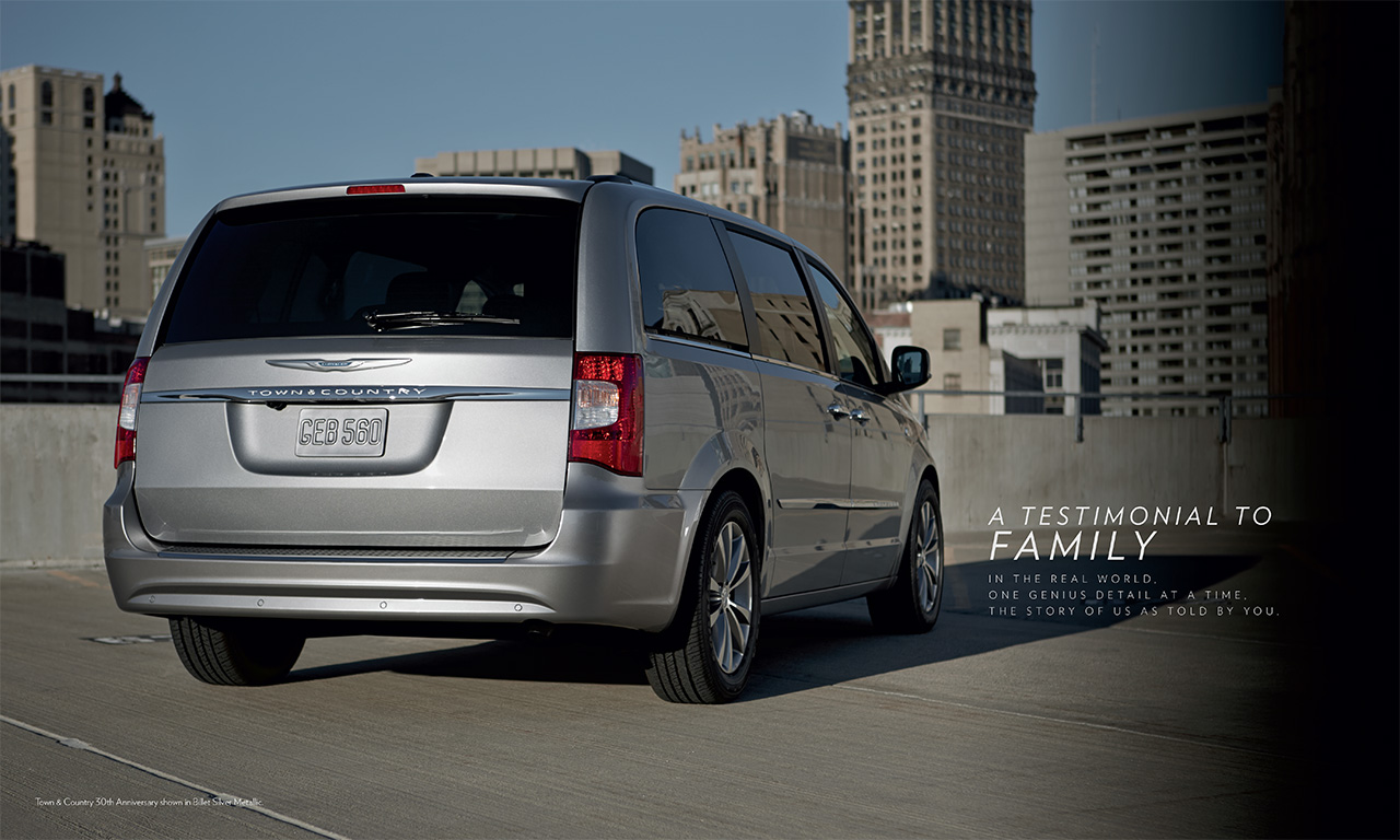 2014-Chrysler-Town&Country-14