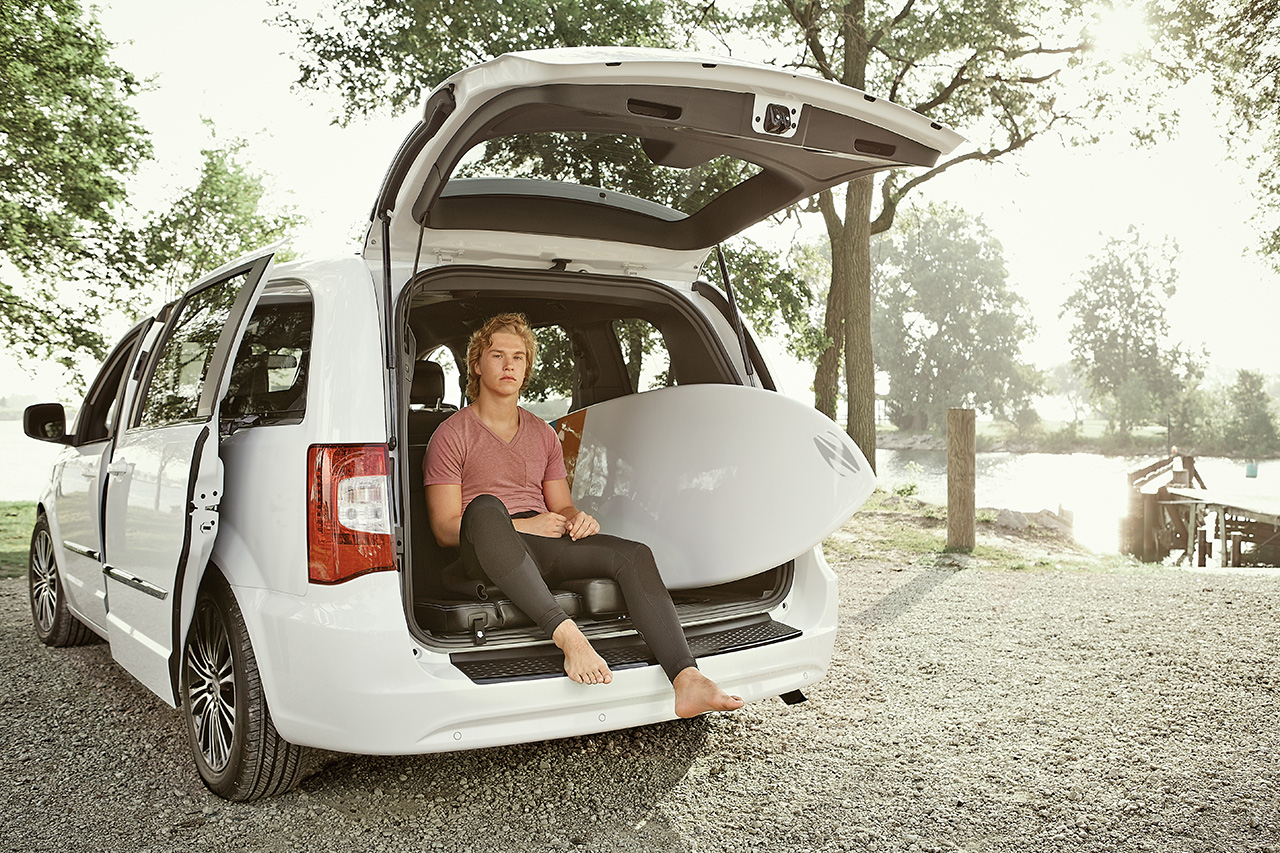 2014-Chrysler-Town&Country-6c