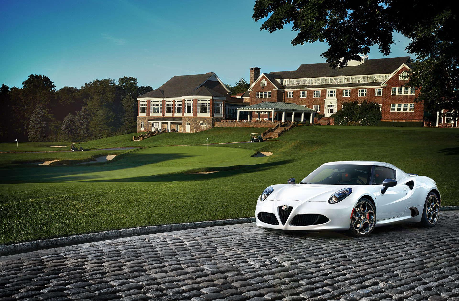 alfa-romeo-4c-campaign-golf-course
