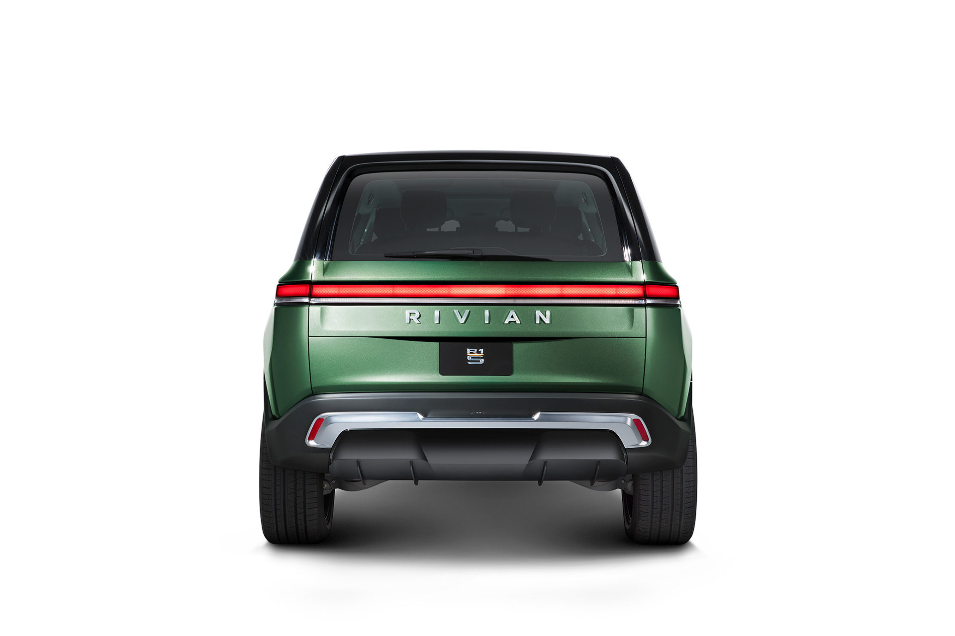 Rivian_R1S_Direct_Rear_0021_Lians